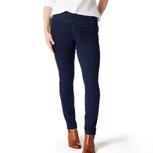 JAG • 12 • Pull-On High Rise Skinny Dark Wash Jean